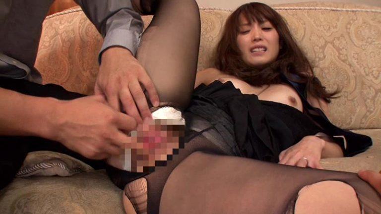 自宅ポストに 投函された美人姉の強姦映像