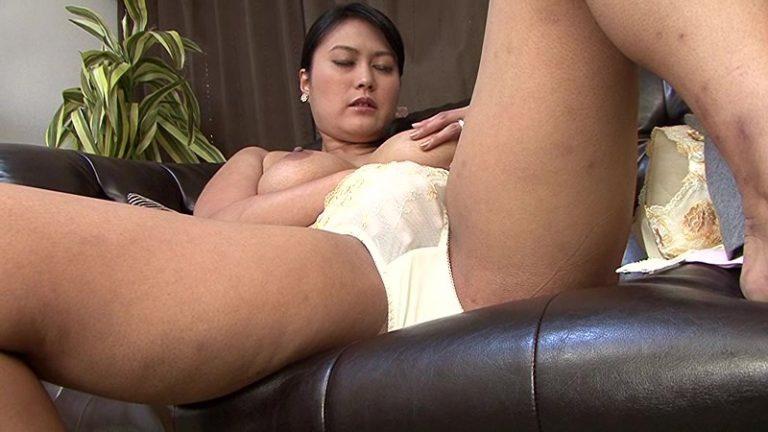 綺麗でいやらしい叔母さんのでか尻でか乳肉感ボディを喰らう僕葉山千里