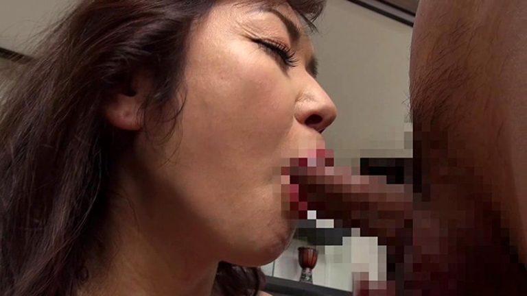 熟年AVデビュー 「スケベ」とはこの女の為にある言葉! 大量潮吹き絶倫セックス! 山本麗子