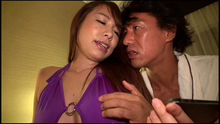 魅力的過ぎるムチムチのエロい尻で無垢な男子を狂わせて虜にする超セクシータイトスカート好きの美人女教師 甲斐ミハル