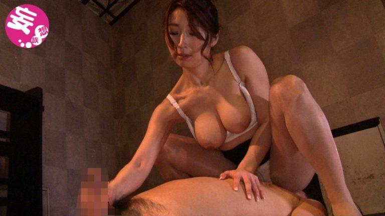 騎乗位と手コキで亀頭責めをする女コンサル 篠田あゆみ