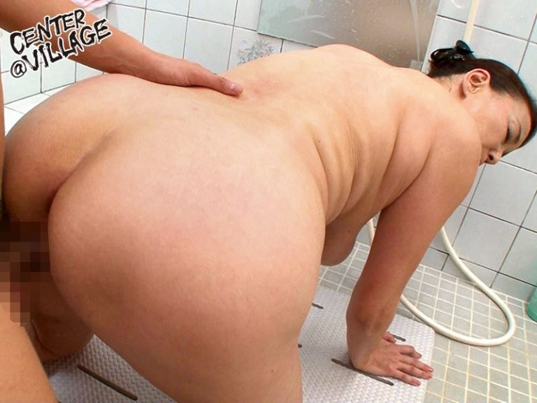 近親相姦 爆乳風呂 青井マリ