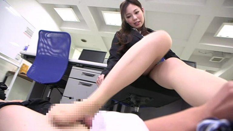 リクルート女子大生の蒸れた脚