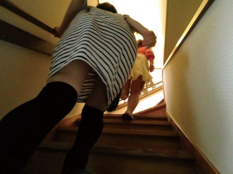 幼馴染みの従姉妹の家で下宿を始めて間もなく痴態を目撃してしまい…