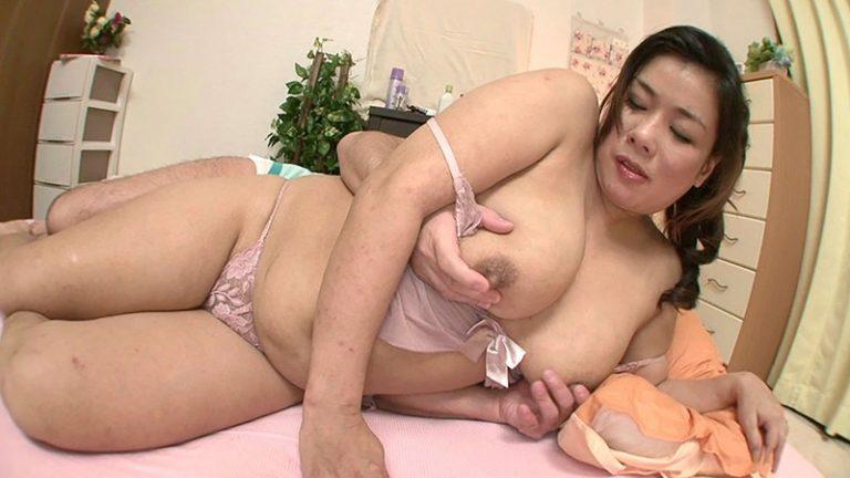 巨乳むっちりママと連続セックス 10人8時間