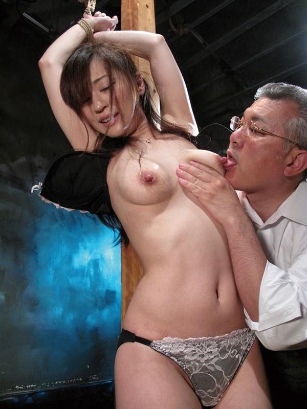 聖女牝儀式 3 小野麻里亜