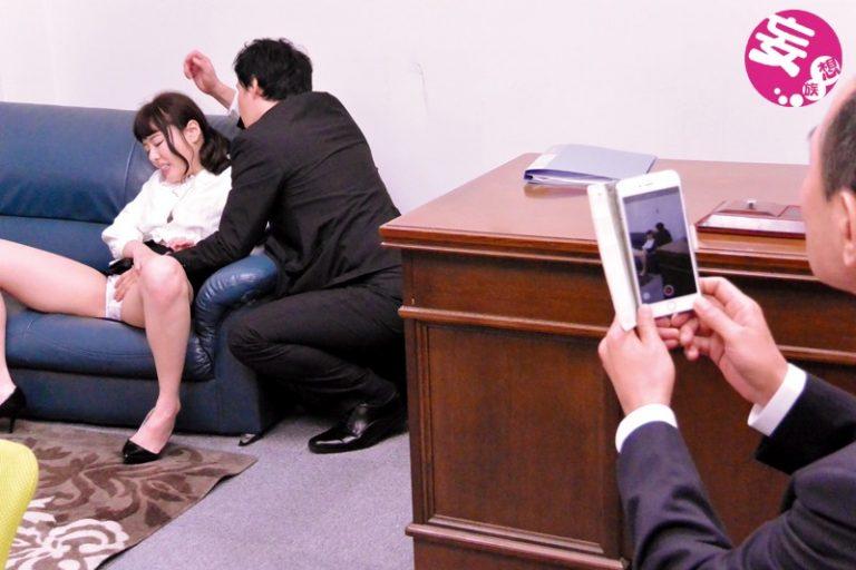 義理の父親の為に会社社長に身をささげる娘 浜崎真緒