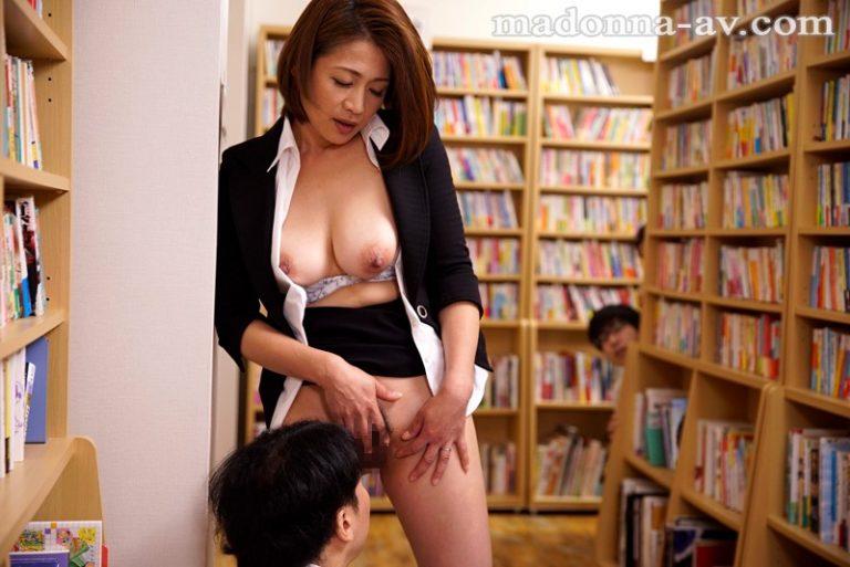 臨時女教師、真希の誘惑。 友田真希