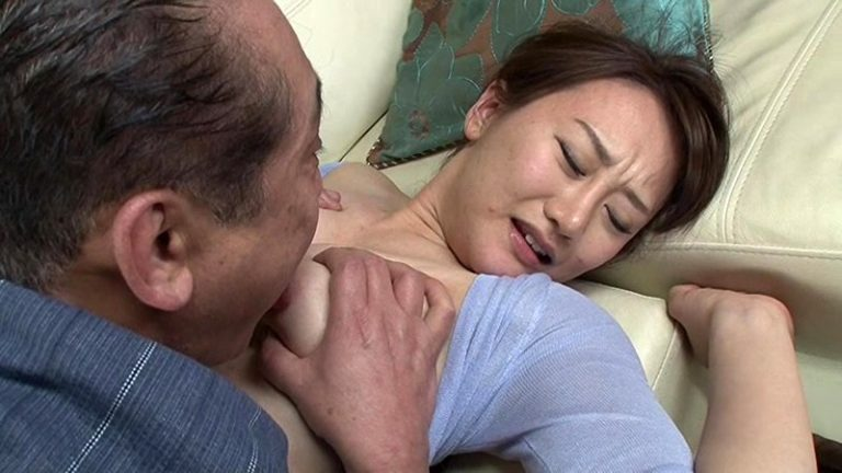 定年退職してヒマになったドスケベ義父の嫁いぢり 岩沢美穂
